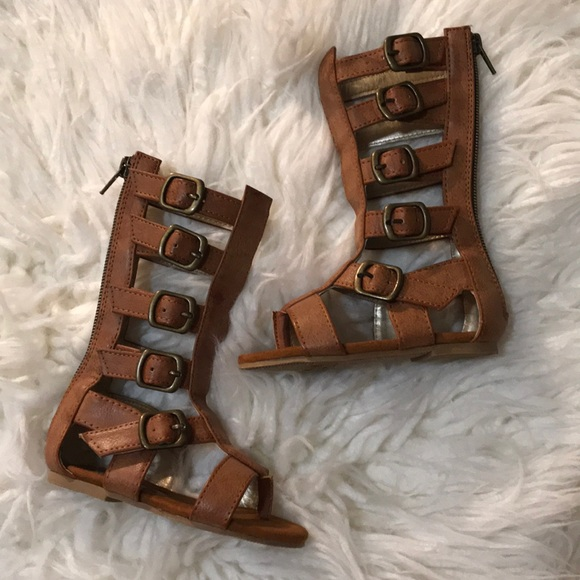 1f4c2974c8b Joyfolie Other - NWOT Tan Joyfolie Gladiator Sandals Size 6!